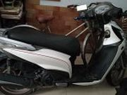 xe Kymco people trắng